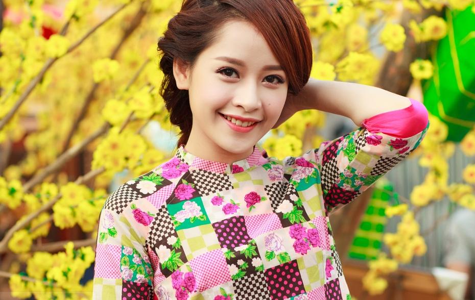 Nữ diễn viên Chi Phu rạng rỡ trong những ngày cận Tết