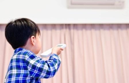 Điều hòa nhiệt độ có thể sản sinh ra chất có hại cho cả trẻ em và người lớn