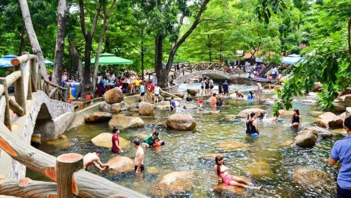 Những địa điểm du lịch hấp dẫn quanh Sài Gòn dịp lễ 30/4