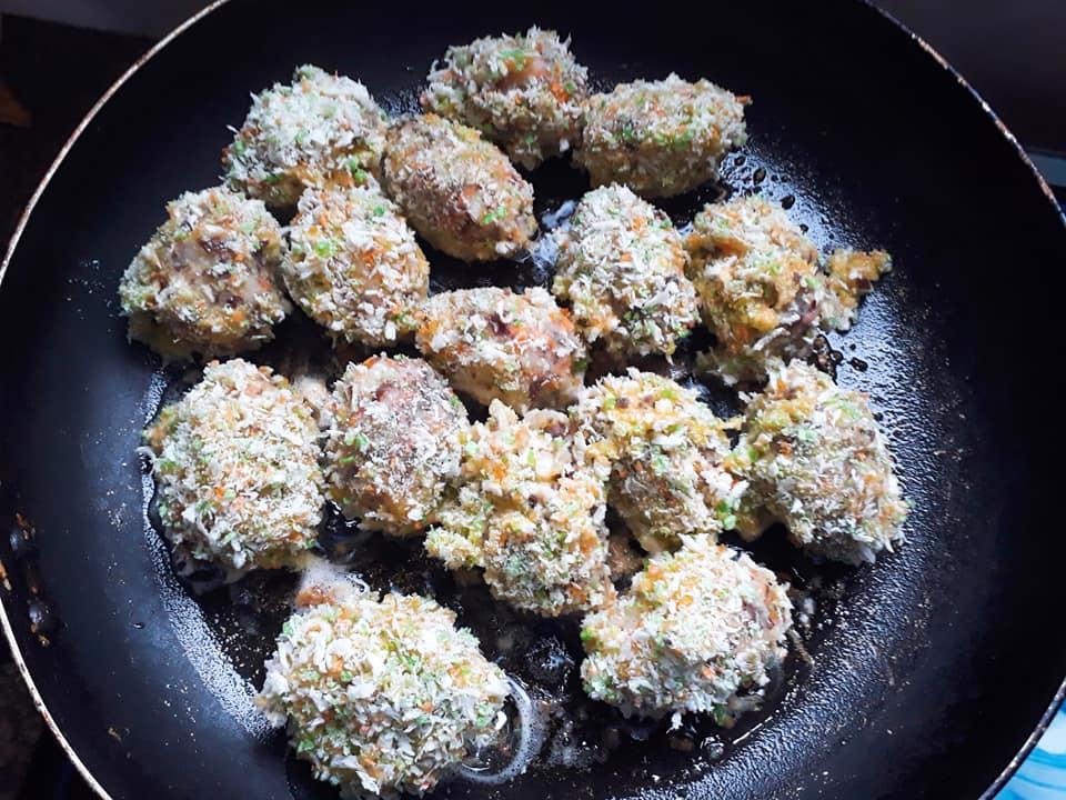 Cách làm khoai tây bọc trứng cút chiên xù giòn rụm, thơm phức