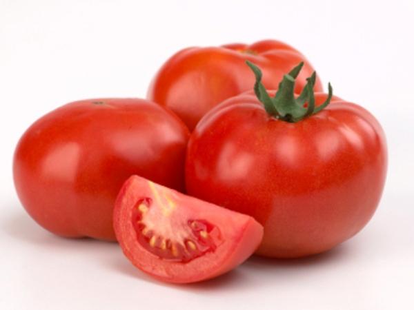 Nên chọn những quả cà chua chín đỏ, tròn đều, nặng tay.