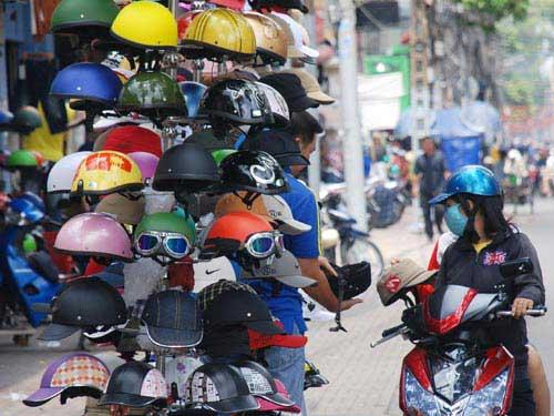 doanh nghiệp Kinh doanh mũ bảo hiểm xịn khó có lãi