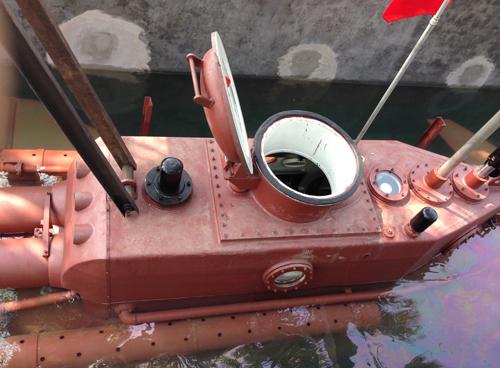 Tàu ngầm Trường Sa 01