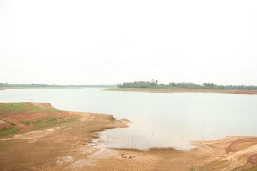 Mẹ chết đuối sông Kinh Môn, đứa bé 2 tuổi thoát chết thần kỳ