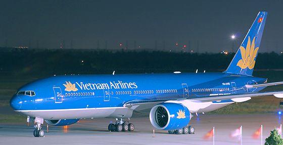 Vietnam Airlines điều chỉnh đường bay tránh vùng chiến sự
