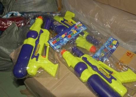 Các sản phẩm đồ chơi gỗ, đồ chơi Trung Quốc tràn ngập trên thị trường