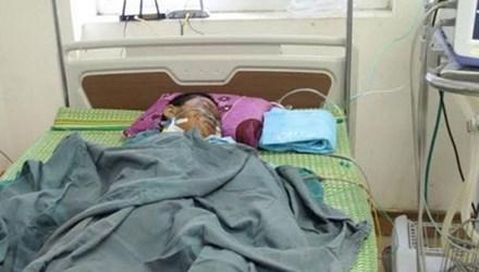 Em Nguyễn Bảo Long đang điều trị tại bệnh viện