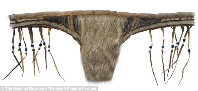 Đồ lót phụ nữ cổ đại của tộc người Inuit được may từ da hải cẩu