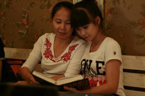 Mẹ đã hy sinh cho mình cả cuộc đời cho cô con gái bé nhỏ