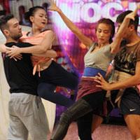 Ngân Khánh và Thu Thủy say mê tập luyện trước buổi biểu diễn