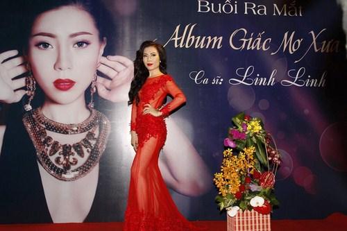 Linh Linh trong buổi ra mắt album đầu tay