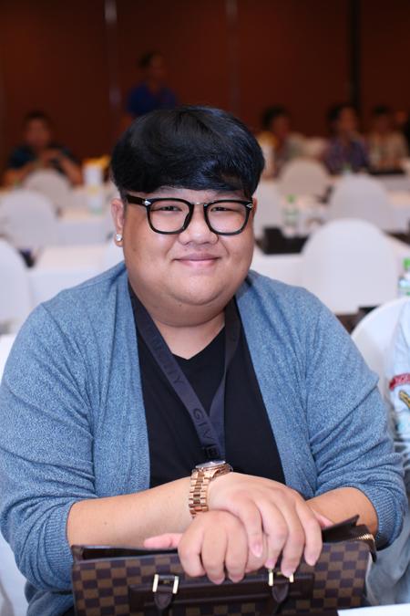 Ca sĩ Vương Khang là nhân tố lạ của cuộc thi năm nay. Anh là giọng ca quen thuộc với giới trẻ khi thường xuất hiện cạnh nhóm H.A.T trước đây và sau này là Bảo Thy, Yến Trang... trong vai trò rapper.