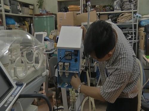 Chưa rõ các máy mà 3 bệnh viện còn lại nhận từ bộ Y tế có chung tình trạng như máy ở bệnh viện Bạch Mai hay không?