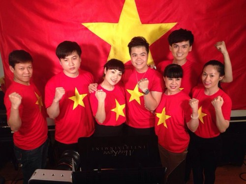 Phía bắc thực hiện tại thủ đô Hà Nội có sự góp mặt của gần 100 nghệ sĩ tham gia thu âm tại MQ Studio tại phòng 1503 Tòa nhà 57 Láng Hạ.