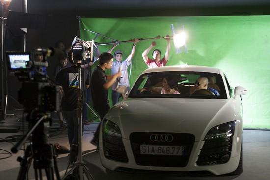 Phương Vy tiếp tục kết hợp cùng với Antoneus Maximus trong MV được sản xuất theo kỹ thuật 3D