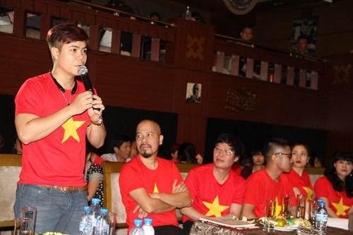 Ca sĩ Đinh Mạnh Ninh.