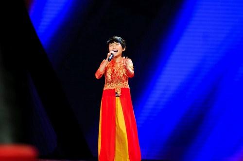 Nguyễn Khánh Huế, 11 tuổi, quê quán ở Nghệ An