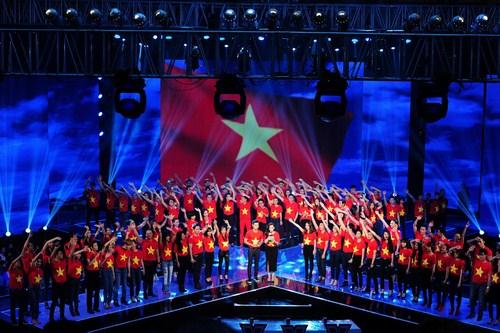 Khi những giai điệu hào hùng của ca khúc vang lên đầy tự hào, đó như là lời tri ân sâu sắc của chương trình cũng như các nghệ sĩ hướng về ngày 27/7.
