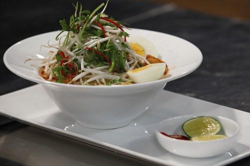 Cà ri lạc xá là món ăn khiến cho giám khảo Luke Nguyễn nhớ đến mẹ