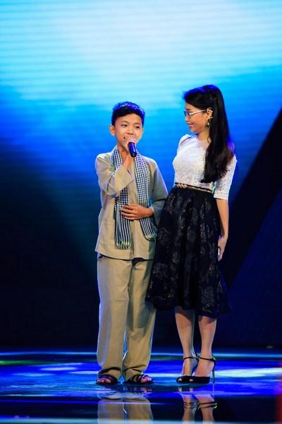 Tập 2 Giọng hát Việt Nhí 2014 phát sóng, nhiều nhân tố nhí khác ngay khi cất giọng hát cũng đã tạo được ấn tượng nổi bật với các HLV