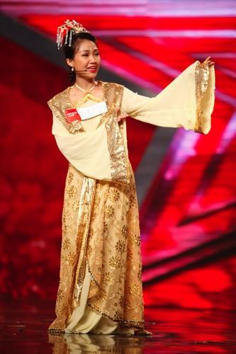 Cô giáo dạy tiếng Nhật 29 tuổi Thanh Nhàn đã khiến khán giả phải reo hò với tạo hình cổ trang