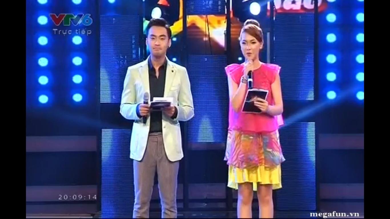 Hai MC của chương trình MC Dustin và Tú Linh