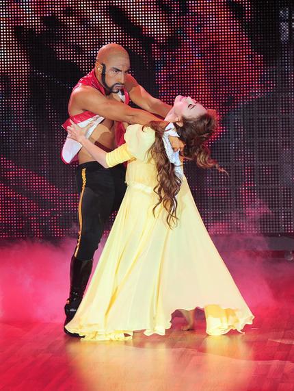 Ngân Khánh và bạn nhảy cũng nhận điểm 40 từ giám khảo với màn trình diễn tinh tế về cách dàn dựng và hoàn hảo về mặt kỹ thuật.