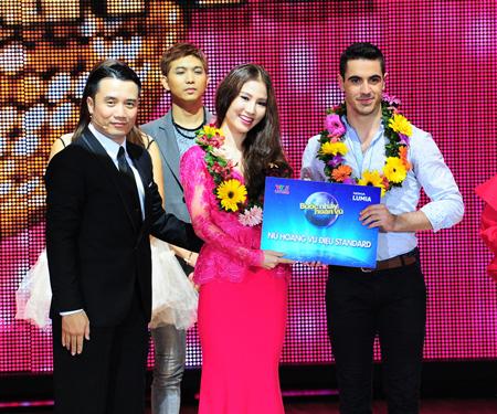 Diễm My nhận giải Nữ hoàng Standard