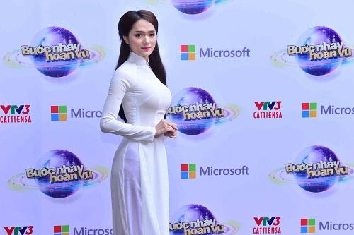 , Hương Giang Idol tinh khôi mở màn Bước nhảy Hoàn vũ 2015