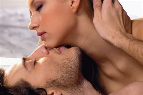 Màn dạo đầu sẽ chao nhau cảm xúc đê mê nhất khi bắt đầu cuộc sống vợ chồng