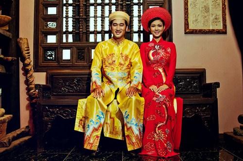 Áo dài - trang phục cưới truyền thống của phụ nữ Việt Nam. Ảnh minh họa