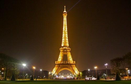Trải nghiệm tuần trăng mật của Sư Sử ở Paris hào hoa. Ảnh minh họa