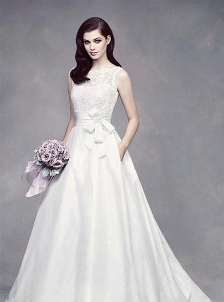 Áo cưới chữ A giúp các cô dâu che đi phần mỡ bụng hay phần đùi quá cỡ của mình. Ảnh minh họa