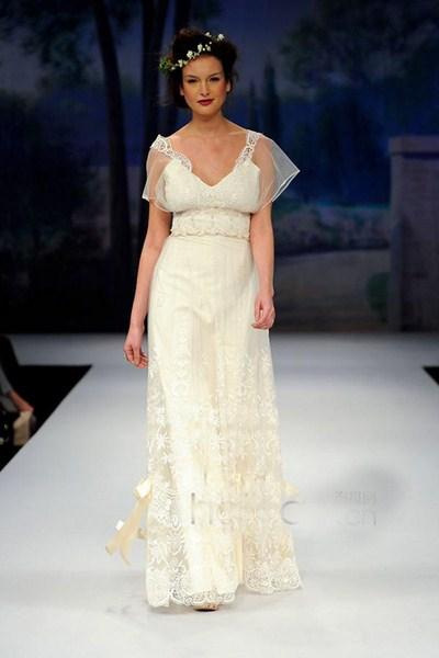 Áo cưới kiểu Hy Lạp thích hợp cho những cô nàng