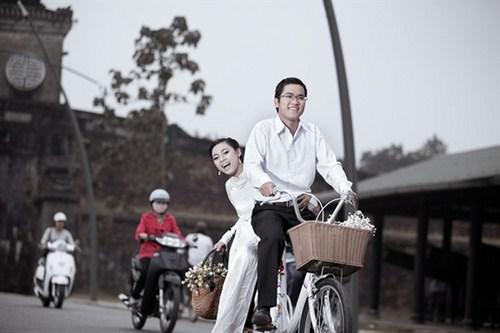 Du  lịch kết hợp chụp ảnh cưới ở Huế. Ảnh minh họa