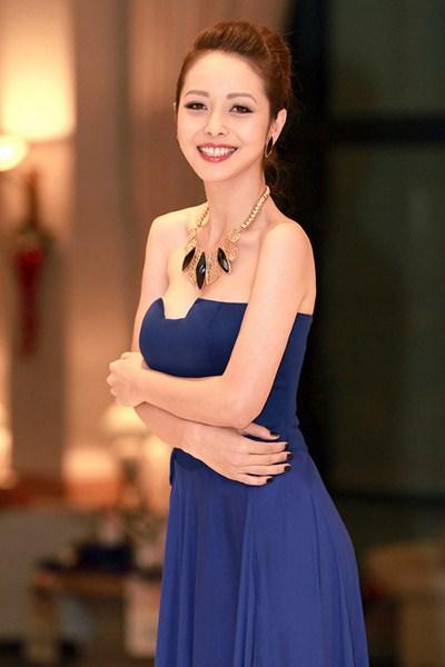 Jenifer tự tin với vai trò làm MC Chương trình Giọng hát Việt nhí vì đã là mẹ của hai con..