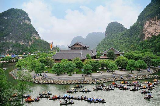 Tràng An trở thành một trong tám  di sản Văn hóa và Thiên nhiên Thế giới của Việt Nam.