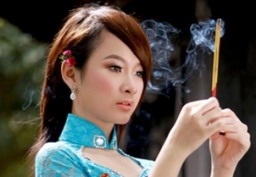Angela Phương Trinh tuyên bố cô đã quy y cửa Phật