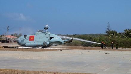 tin tức mới cập nhật hôm nay cho biết nguyên nhân trực thăng rơi trên đảo Phú Quý