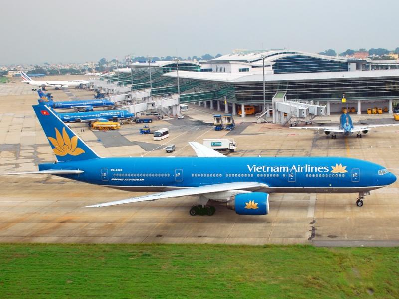 Đọc báo mới nhất hôm nay ngày 21/11: Hàng chục chuyến bay bị trễ vì sự cố mất điện ở sân bay Tân Sơn Nhất