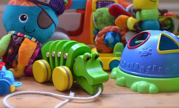 Đồ chơi trẻ em sáng màu chứa nhiều hóa chất cực kì độc hại