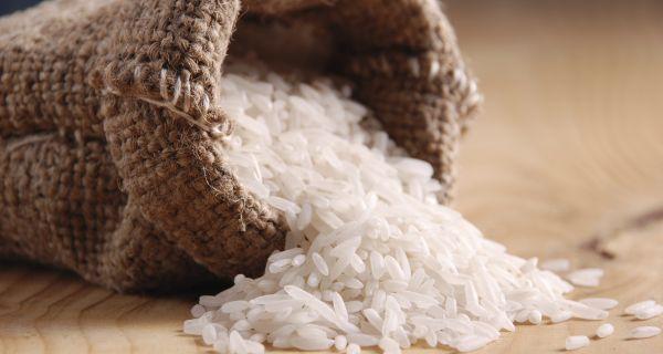 Quá trình cấy trồng, sản xuất, đóng gói, vận chuyển đều có thể khiến gạo nhiễm độc tố