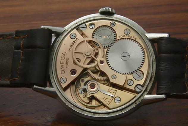 Người mua đồng hồ cổ có thể kết nối với nhau để cùng chia sẻ niềm đam mê và học hỏi lẫn nhau