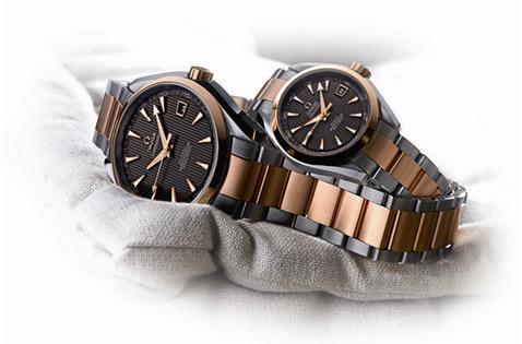 Cặp đồng hồ cặp Omega Seamaster mới với phong cách thanh lịch và thể thao, hoàn toàn nổi bật giữa một rừng những mẫu đồng hồ cặp thời trang hiện nay
