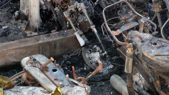 Cháy đồn công an tại Đồng Nai: Hàng chục xe máy chìm trong biển lửa