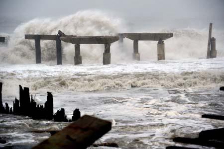 Dự báo thời tiết ngày mai, vùng biển Trung Bộ coi chừng sóng to gió lớn