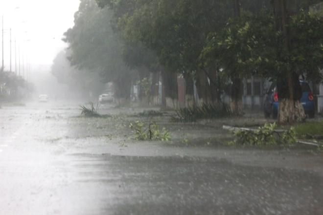 Dự báo thời tiết ngày mai 25/6/2015: Bắc Bộ có mưa rào, mưa to