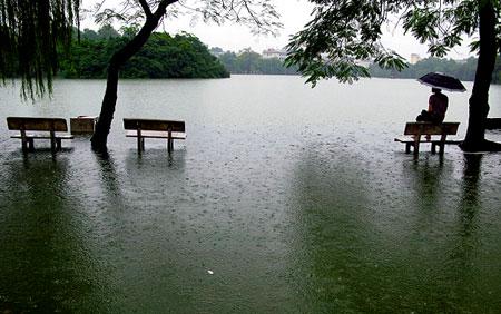 Dự báo thời tiết ngày mai 30/04/2015: Nắng nóng kèm mưa rào trên cả nước
