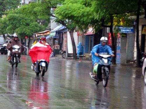 Dự báo thời tiết ngày mai 30/10, mưa dông tại Trung bộ giảm dần về diện và lượng