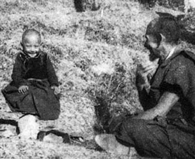 Đức Pháp Vương Gyalwang Drukpa XII từ nhỏ đã được tôn sùng là hiện thân của Đức Phật Quan Âm
